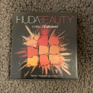 UNUSED Huda Beauty Coral Obsessions Palette
